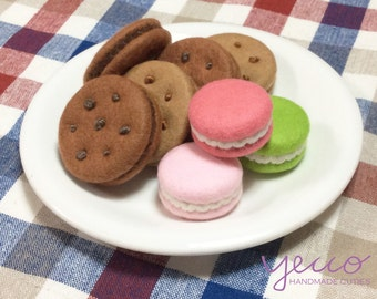 PDF pattern - Cookies and Macaroons Pattern and Tutorial - felt play food sewing pattern - E pattern