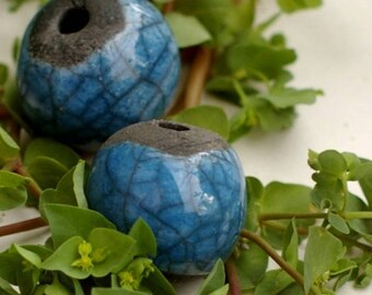 Set of 2 raku beads, ceramic beads in blue enamelled terracotta on black clay and matte