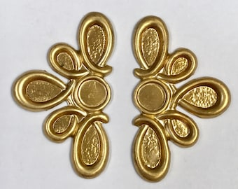 Vintage Raw Brass Metal Floral Stamping Findings for 7mm Cabochons 41x24x2mm pkg2 m131