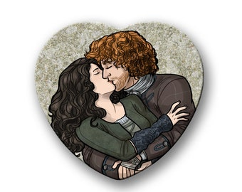 """Outlander Claire and Jamie kiss heart shaped 2"""" pinback button"""