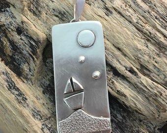 Little boat pendant