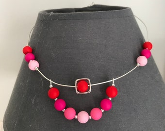 Red rose earring and necklace