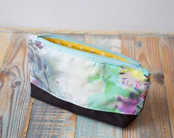 Small cosmetic bag, Fabric makeup bag, Cosmetic storage, Makeup bag, Fabric case, Zipper makeup bag