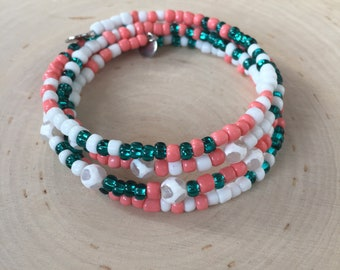 Model Lake Allos - agate Tibetan and seed beads on memory wire bracelet