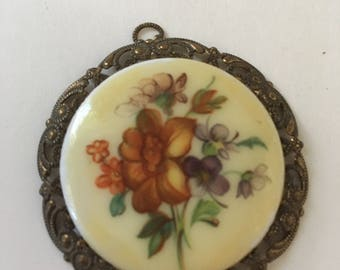 Antique Floral filigree pendant - 1950s- vintage jewelry