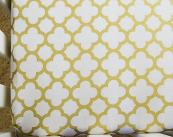 Gold Quarterfoil Cribsheet Crib Bedding
