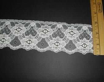 2.5 inch wide CREAM lace trim 20yds (912)