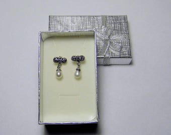 Pendant earrings, with small bow, with marcasite and pearl