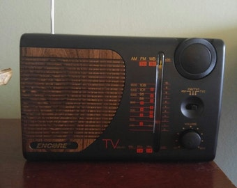 Vintage Electro Brand ENCORE model 2147 AM/FM TV1 TV2 Weather Band Portable Radio in Box