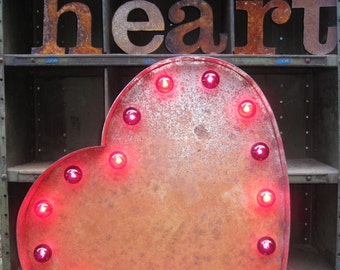 Lighted Vintage Style Metal Heart Light.
