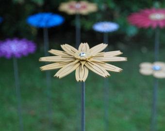 Pollination Flower Stem - Hawkbit