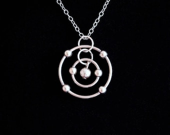 Carbon Atom Necklace (Sterling Silver)