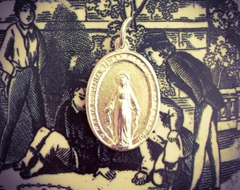 VINTAGE MIRACULOUS MEDAL Religious Silver Plate Virgin Mary Italy