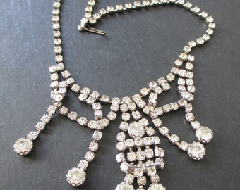 VIntage Retro Hollywood Regency Rhinestone Necklace with lots of fire! One of several of high QUALITY!       - Estate Find!