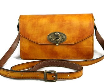 Amber leather shoulder bag,handmade,handcrafted,yellow,italian,genuine,real,elegant ,everyday use,going out,hand painted,quality,clasp,strap