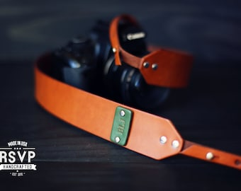 Custom Leather Camera Strap, Handmade personalized gift, Brown stain, simple, minimalistic, Custom text, name initials