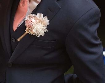 Blush Boutonniere, Grooms Boutonniere, wedding boutonniere, mens wedding boutonniere,  wedding accessory, groomsmen buttonhole, lapel flower