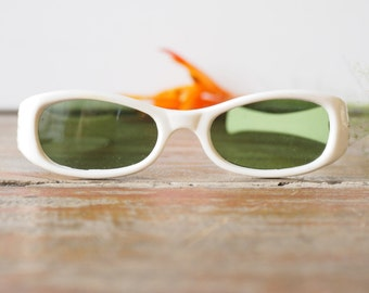 Vintage 1960's Sunglasses New Old Stock White Color Frame Glass Lens Very Fun Cheap