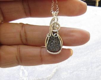 Titanium Druzy Quartz Necklace, Druzy Quartz Pendant, Druzy Quartz Necklace, Quartz Jewelry, Wire Wrapped Necklace, Handmade Jewelry
