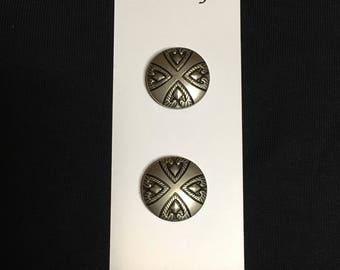 Silver-tone Round Arrowhead Button Cover Ups