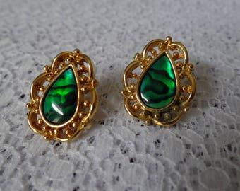 Emerald Green Earrings, St. Patricks Day Jewelry, Pierced Earrings, Gold Filigree Earrings, Green earrings, Green Jewelry