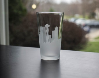 Etched Seattle Washington Skyline Silhouette Pint Glasses
