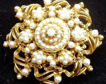 FLORENZA Vintage Brooch Creamy Pearls & Russian Gold Filigree