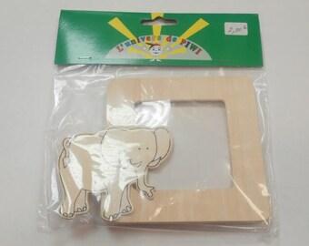 1 wooden elephant frame size 15 cm long