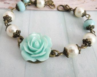 Blue Flower Girl Bracelet, Swarovski Pearl Bracelet, Junior Bridesmaid Gift, Wedding Jewelry, Blauwe Bloem Armband