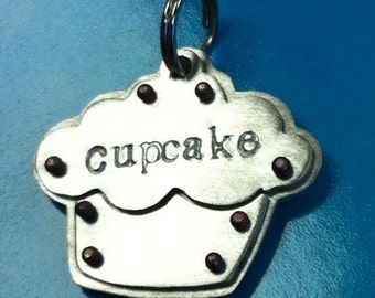 Cupcake tag, your pets name and number