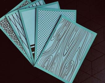 Pack of 5 A6 sized blank cards.