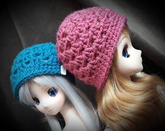 Basic crochet beanie hat pattern to fit Smartdoll, Pullip or similar size dolls 9 - 9.5 inch head