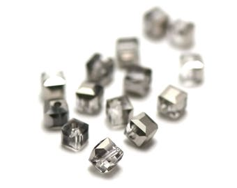 """20/60 Crystal beads """"cube"""" 4 x 4 mm clear silver"""