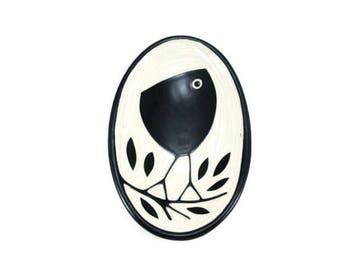 Handmade Porcelaun Bird Tray Right Facing (medium size)