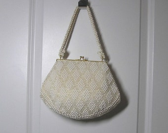 1950s Vintage Corde Bead Purse, by Lumured, Diamond Pattern White Beads and Clear Lucite Beads on Ivory Net, Rhinestone Clasp, Vintage Purse