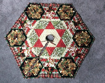 Quilted Christmas Tree Skirt, Large Hexagonal Tree Skirt with Musical Instruments