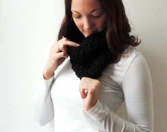 Scarf MARIE in Black | Infinity Scarf | Chunky Knit