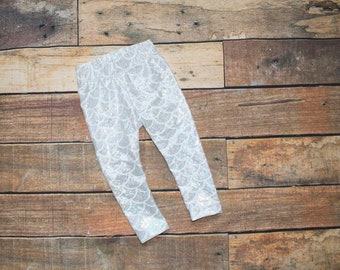 Ready To Ship 9-12 Months Baby Girls White Mermaid Scale Holographic Foiled Leggings Trousers