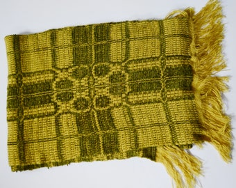 70s Green and Yellow Fringe Winter Scarf