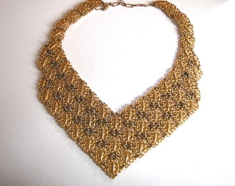 Stunning Vintage Ornate Gold Metal Chained Necklace