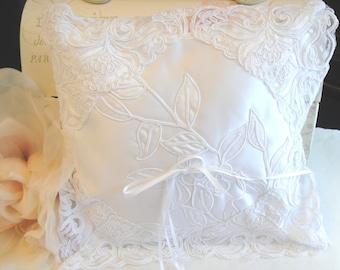 Ring Bearer Pillow, Wedding Supply, Wedding Pillow, White Pillow, (P-23)