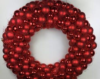 Spherical Wreath Light Red