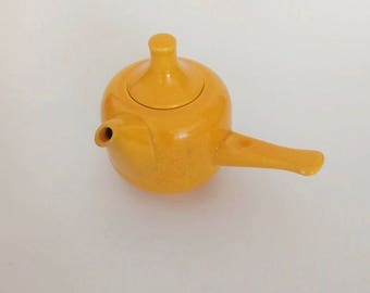 vintage teapot, Rosenthal, single teapot, yellow, midcentury, homedecor, 60s, vintage, color, ceramics, pop art, fall