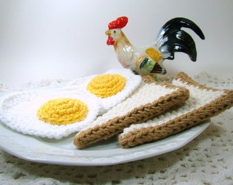 Crochet Eggs and Toast Play Food, Kid Toy Food Breakfast Set, Play Kitchen Food Toddler Toy, Kids Gift, Fried Eggs and Toast Kitchen Decor