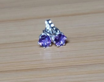 Amethyst earrings 4mm