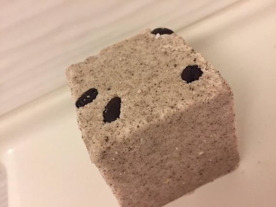 Vanilla Latte Bath Bomb//Vanille Latte Bombe de bain