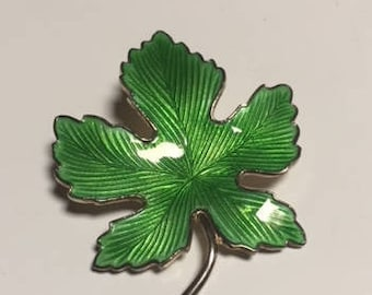 Green Enameled Maple Leaf Pin - Brooch