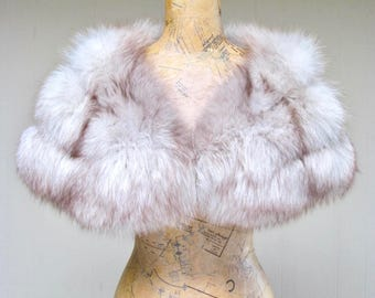 Vintage 1960s Fur Stole / 60s Genuine Arctic Fox Fur Hollywood Glamour Capelet / FREE Domestic Shipping