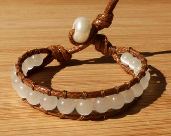 Bracelet white Brown waxed cotton cord - for woman or girl cat's eye small wrist