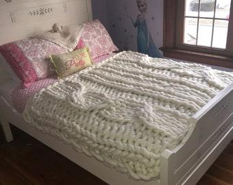 Chunky arm knit blanket, giant knit, huge knit blanket